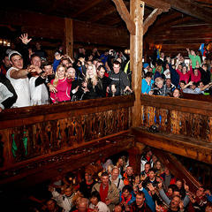 Party in der Hinterhag Alm in Saalbach - © Hinterhag Alm