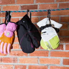 3 Top Picks for Women's 2015 Gloves & Mittens - ©Liam Doran