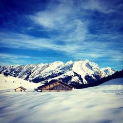 Ski openings Nov. 22, 2014: Alpe d'Huez, Val Tho, Montgenevre & La Clusaz - ©La Clusaz/Facebook