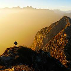 Hoch über den unwegsamen Schluchten der Val Grande-Wildnis - © Iris Kürschner, powerpress.ch