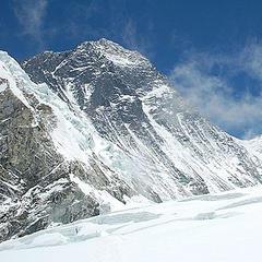 Im Western Cwm - links Everest SW-Wand - rechts Lhotseflanke - ©G. Kaltenbrunner