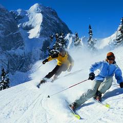 Skiërs in het Zwitserse Gstaad - ©Gstaad Saanenland Tourismus