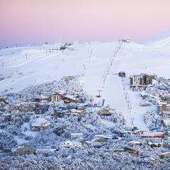 Winter in Australien - Skigebiet Mt Buller in der Dämmerung - ©Andrew Rail