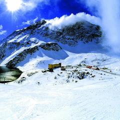 Escape the masses at Portillo Ski Resort in Chile - ©Andes Ski Tours
