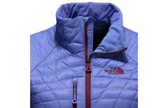 Gear in Review: The North Face Women's Desolation Thermoball Jacket - © thenorthface.com