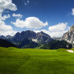 Golfplätze in Deutschland, Österreich, der Schweiz, Italien, Slowenien, Tschechien und Liechtenstein - ©Michalzak_Fotolia.com