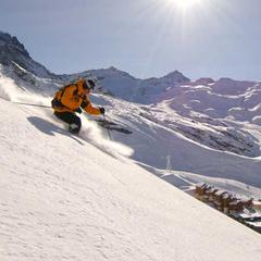 High-altitude skiing in Val Thorens, France