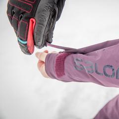 Stevige velcro's houden sneeuw buiten. - © Thomas De Boever