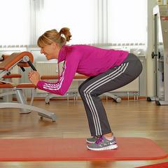 Fitness is een goede manier om je voor te bereiden op de wintersport. - ©Praxisklinik Dr. Schneiderhan und Kollegen