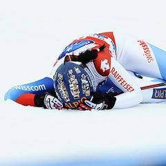 Nicht nur Rennläufer sind nach einer Abfahrt ausgepumpt. Auch den normalen Skifahrern droht auf der Piste und im Training eine schnelle Erschöpfung. Wichtig: Ausreichende Regeneration! - ©Alain GROSCLAUDE/AGENCE ZOOM