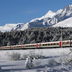 Travel swiftly into the Valais by TGV this winter - ©Zermatt-Matterhorn