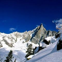 Popular ski resorts for off-piste powder fiends - ©Chamonix Tourism