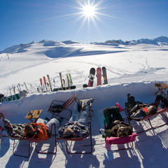 Skiing in April: Taking a spring break on the slopes of Val d`Isère