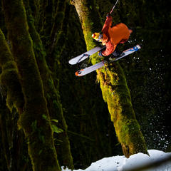 Zack Griffin mit spektakulärer Action am Mount Baker (Washington) - ©Grant Gunderson