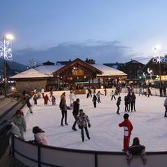 Ice skating in Les Gets - © N. Tavernier / OT Les Gets